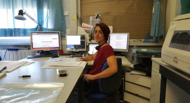 Leticia G. León in the lab